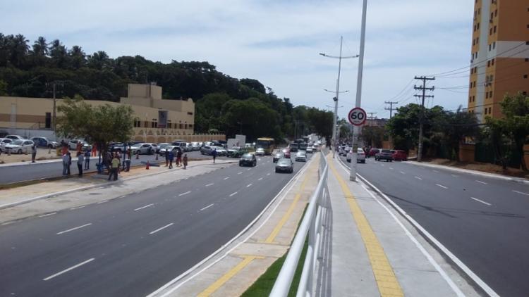 Sistema de drenagem da avenida também foi refeito | Foto: Shirley Stolze | Ag. A TARDE - Foto: Shirley Stolze | Ag. A TARDE