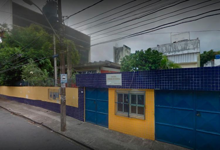 Pais querem que colégio continue funcionando | Foto: Reprodução | Google Street View - Foto: Reprodução | Google Street View
