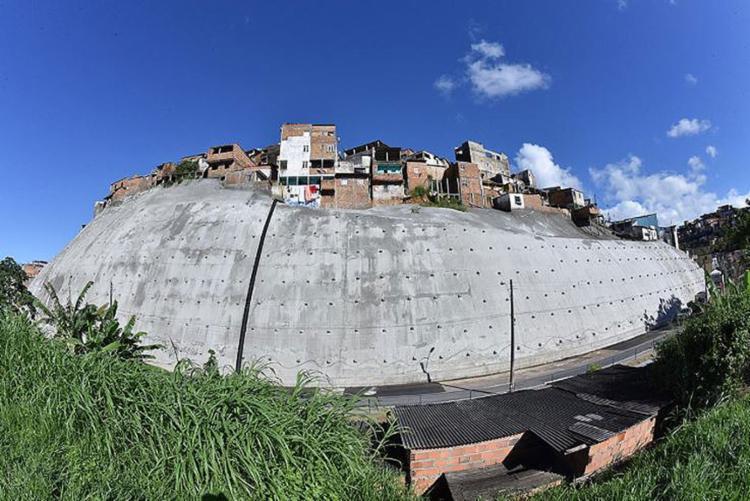Encosta no Bom Juá feita pela prefeitura com 6 mil metros: um perigo a menos   Foto: Max Haack   Secom - Foto: Max Haack   Secom