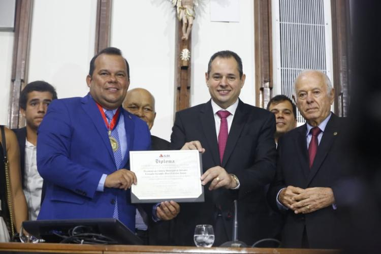 A comenda 2 de julho foi entregue ao vereador Geraldo Júnior em solenidade na Assembleia legislativa da Bahia |Rafael Martins | Ag. A TARDE - Foto: Rafael Martins | Ag. A TARDE