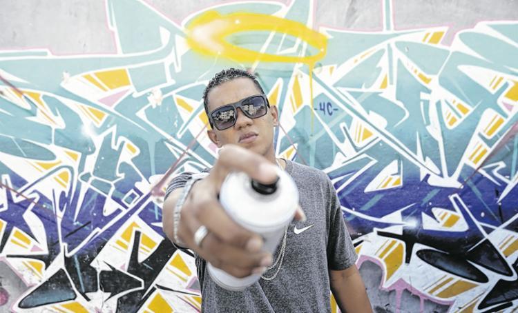 Em Cajazeiras, há diversos grafites de Nikol; a maioria traz o nome dele   Foto: Felipe Iruatã   Ag. A TARDE - Foto: Felipe Iruatã   Ag. A TARDE