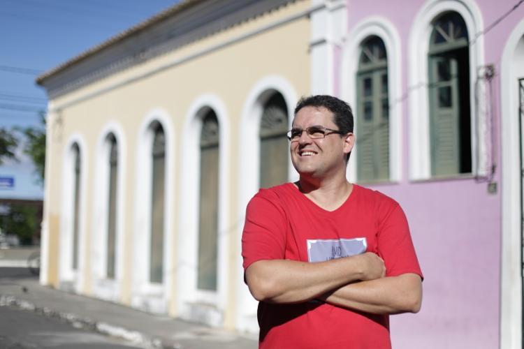 Louti Bahia, criador da página Amo a história de Salvador - Foto: Raul Spinassé/ Ag. A Tarde