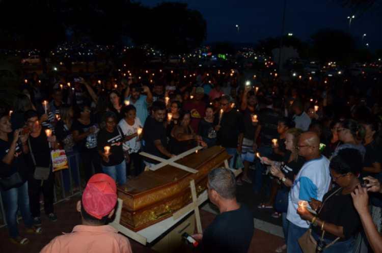 Servidores enterraram o executivo e parte do legislativo | Foto: Reprodução | Zenilton Meira - Foto: Reprodução | Zenilton Meira