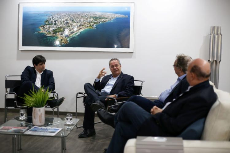 João de Mello Leitão, presidente de A TARDE, e diretores do grupo receberam Alban | Foto: Raphaël Müller | Ag. A TARDE - Foto: Raphaël Müller | Ag. A TARDE