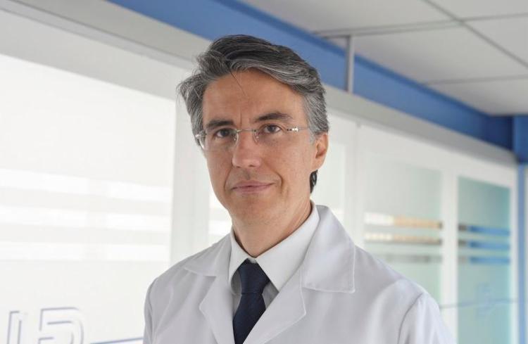 O cardiologista Luiz Magalhães conta que mais de 200 mil pessoas têm morte súbita anualmente no Brasil - Foto: Shirley Stolze / Ag A Tarde