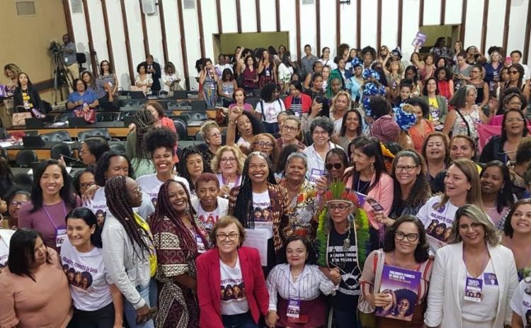 Documento foi aprovado em encontro do Parlamento Feminista   Foto: Divulgação - Foto: Divulgação