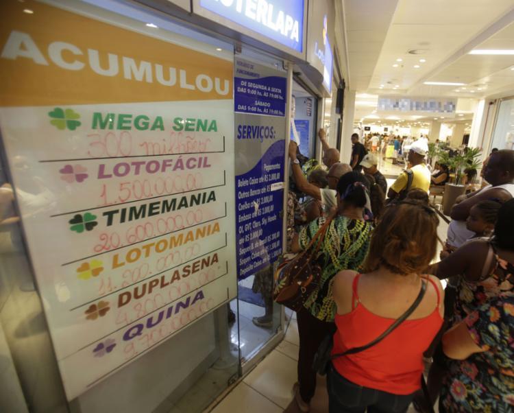 Prêmio previsto para a Mega é de cerca de R$ 300 milhões   Foto: Rafael Martins   Ag. A TARDE - Foto: Rafael Martins   Ag. A TARDE