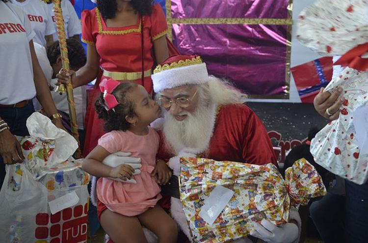 Crianças falaram com Papai Noel na sede da entidade | Foto: Renato Ato | Divulgação - Foto: Renato Ato | Divulgação