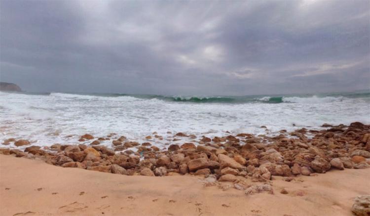 Praia da Boca do Rio, em Salvador, é uma das impróprias para banho | Foto: Reprodução | Google Maps - Foto: Reprodução | Google Maps