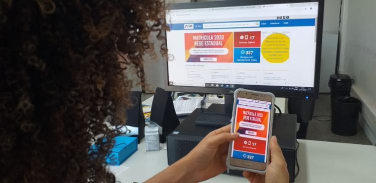 O processo, este ano, é 100% on-line e, portanto, poderá ser feito por meio de dispositivos móveis, como tablets e celulares. - Foto: Cláudia Oliveira_Divulgação