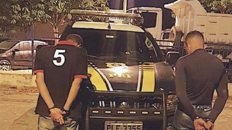 Eles foram presos e encaminhados à delegacia de polícia judiciária local | Foto: Divulgação | PRF - Foto: Divulgação | PRF