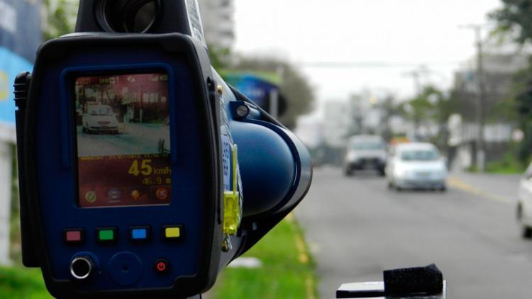 O uso de medidores de velocidade móveis e portáteis está suspenso desde agosto | Foto: Paulo Barcelos | PMNH - Foto: Paulo Barcelos | PMNH