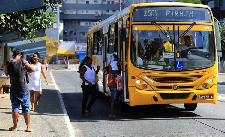 Caso aconteceu no coletivo que faz a linha Ribeira-Pirajá   Joá Souza   Ag. A TARDE - Foto: Joá Souza   Ag. A TARDE