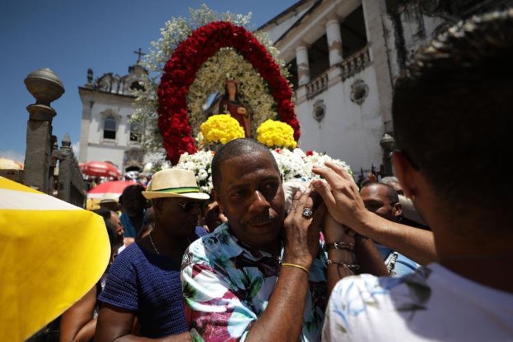 Padroeira dos oftalmologistas foi celebrada com procissão | Foto: Raul Spinassé | Ag. A TARDE - Foto: Raul Spinassé | Ag. A TARDE