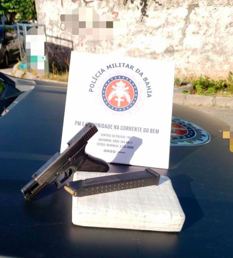 Uma pistola foi apreendida na ação | Divulgação | SSP - Foto: Divulgação | SSP