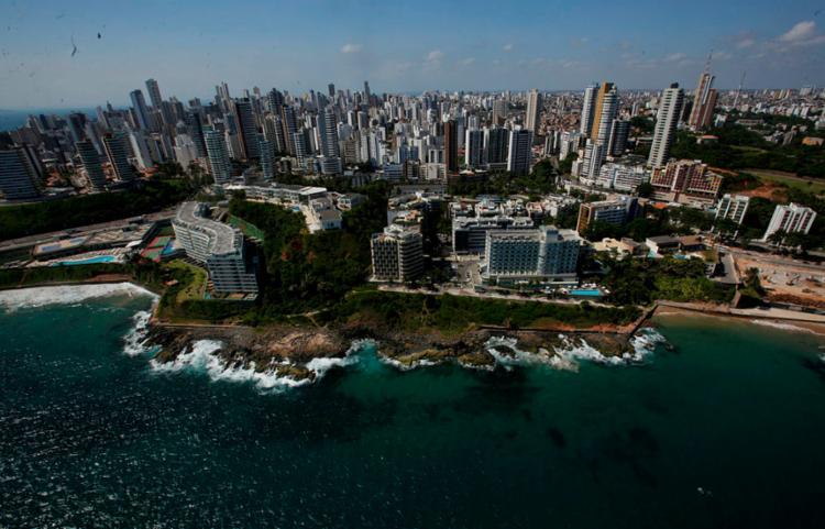 Observatório reúne dados referentes ao turismo na Bahia | Foto: Raul Spinassé | Ag. A TARDE - Foto: Raul Spinassé | Ag. A TARDE