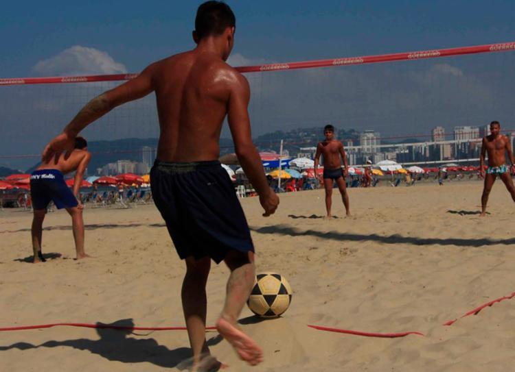 Esportes como futevôlei farão parte da programação nas oito cidades   Foto: Divulgação - Foto: Divulgação