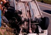 Motorista se distrai com celular e capota veículo em Porto Seguro | Foto: Reprodução | Radar 64