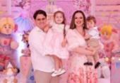 Isabela Suarez e Bruno Adry festejaram o aniversário de Antonella | Foto: