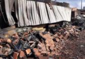 Incêndio destrói comércio de sucatas em Feira de Santana | Foto: Reprodução | Acorda Cidade