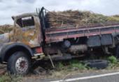 Caminhão com carga de capim pega fogo na BA-416 | Foto: Reprodução | Notícias de Santa Luz