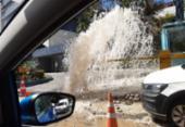 Vazamento de água congestiona avenida Tancredo Neves | Foto: Cidadão Repórter | Via WhatsApp