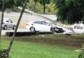 Trânsito na Juracy Magalhães é alterado após carro bater e derrubar poste | Foto: Divulgação | Transalvador