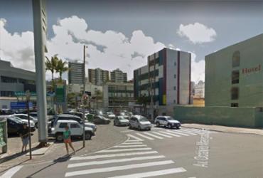 Carros se envolvem em colisão na Pituba | Reprodução | Google Maps
