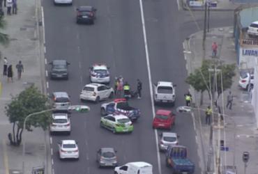 Colisão entre carro e moto deixa trânsito lento na Pituba | Reprodução | Record TV Itapoan