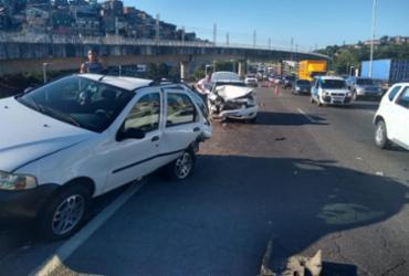Acidente envolvendo dois veículos causa lentidão na região do Acesso Norte | Leo Moreira