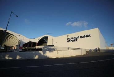 Falha na alimentação elétrica deixa Aeroporto de Salvador às escuras | Felipe Iruatã | Ag. A TARDE