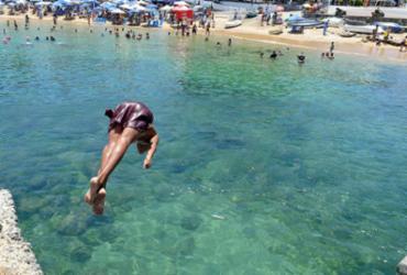Especialistas alertam para risco de combinação de álcool e banho de mar | Shirley Stolze | Ag. A TARDE
