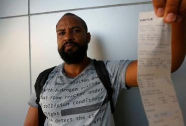 Olhar Cidadão: Cobrança de taxas indevidas cresce na Bahia | Rafael Martins | Ag. A TARDE