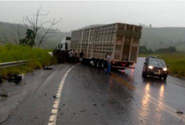 Homem morre após carro que dirigia se envolver em acidente na BR-101 | Reprodução | Radar 64