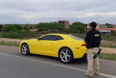 Camaro é apreendido após condutor ser flagrado sem CNH e débito em multas | Divulgação | PRF