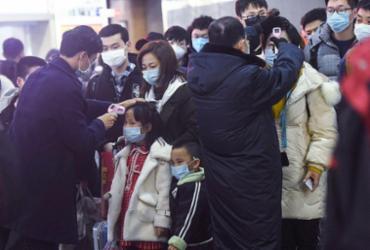 Coronavírus assusta e muda cotidiano de Hong Kong | STR | AFP