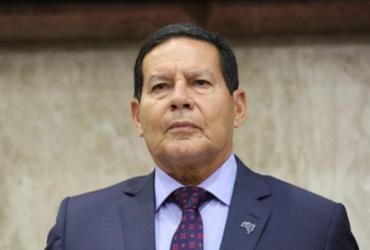 Governo deve editar MP para contratar empregados aposentados do INSS, diz Mourão | Romério Cunha | VPR