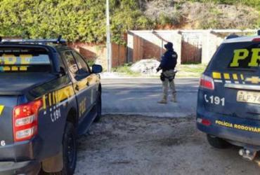 Homem com mandado em aberto por homicídio é preso na BR-101 | Divulgação | PRF