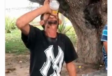 Suspeito de entregar bebida alcoólica para catador se apresenta à polícia | Reprodução