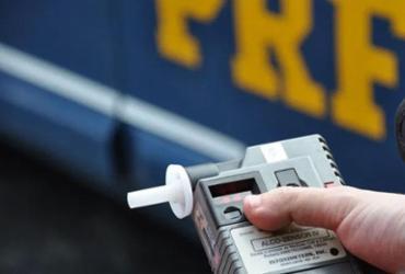 Após perseguição, motociclista com sinais de embriaguez é preso na BR-101 | Divulgação | PRF