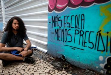 Estudantes protestam contra fechamento do Colégio Estadual Odorico Tavares | Felipe Iruatã | Ag. A TARDE