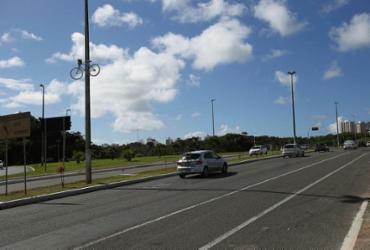 Velocidade máxima na avenida Luís Eduardo Magalhães é reduzida para 70km/h | Luciano Carcará | Ag. A Tarde