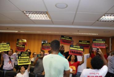AL-BA: sob vaias e gritos de servidores, CCJ aprova relatório da reforma da Previdência | Raul Aguilar | Ag. A TARDE