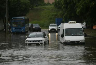 Previsão de chuvas deve permanecer nas próximas 24h, aponta Codesal | Raul Spinassé | Ag. A TARDE