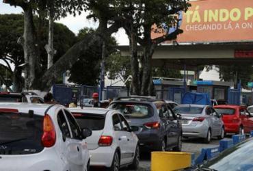 Motoristas aguardam cerca de duas horas para utilizar o ferryboat | Felipe Iruatã | Ag. A TARDE