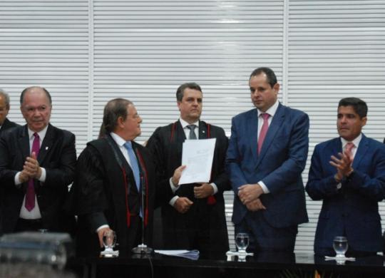 Henrique Trindade toma posse como membro titular do TRE-BA   Raul Aguilar   Ag. A TARDE