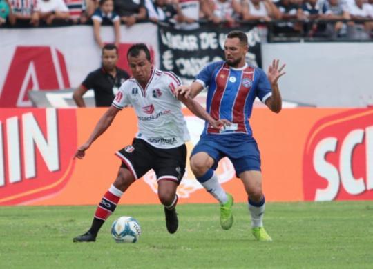 Fernandão 'fecha o gol' e Bahia fica no empate com o Santa Cruz | Rafael Melo | Santa Cruz