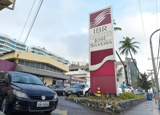 Funcionários contratados pela Fundação José Silveira denunciam atraso salarial | Shirley Stolze | Ag. A TARDE