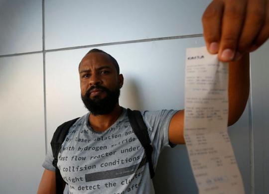 Cobrança de taxas indevidas cresce na Bahia | Rafael Martins | Ag. A TARDE