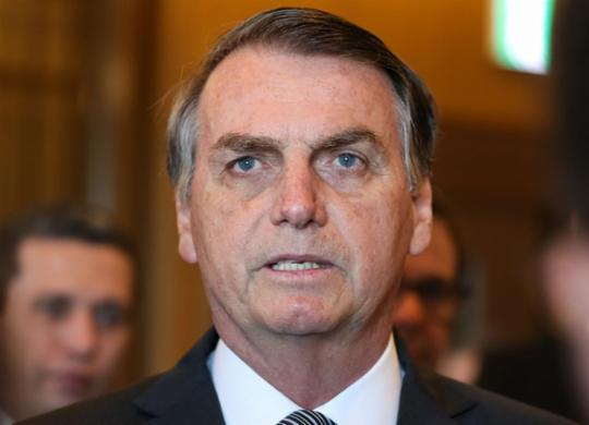 Bolsonaro sanciona Orçamento com fundo eleitoral de R$ 2 bi | José Dias | PR